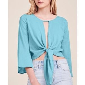 NWT Blue Malia Tie Front Top Medium